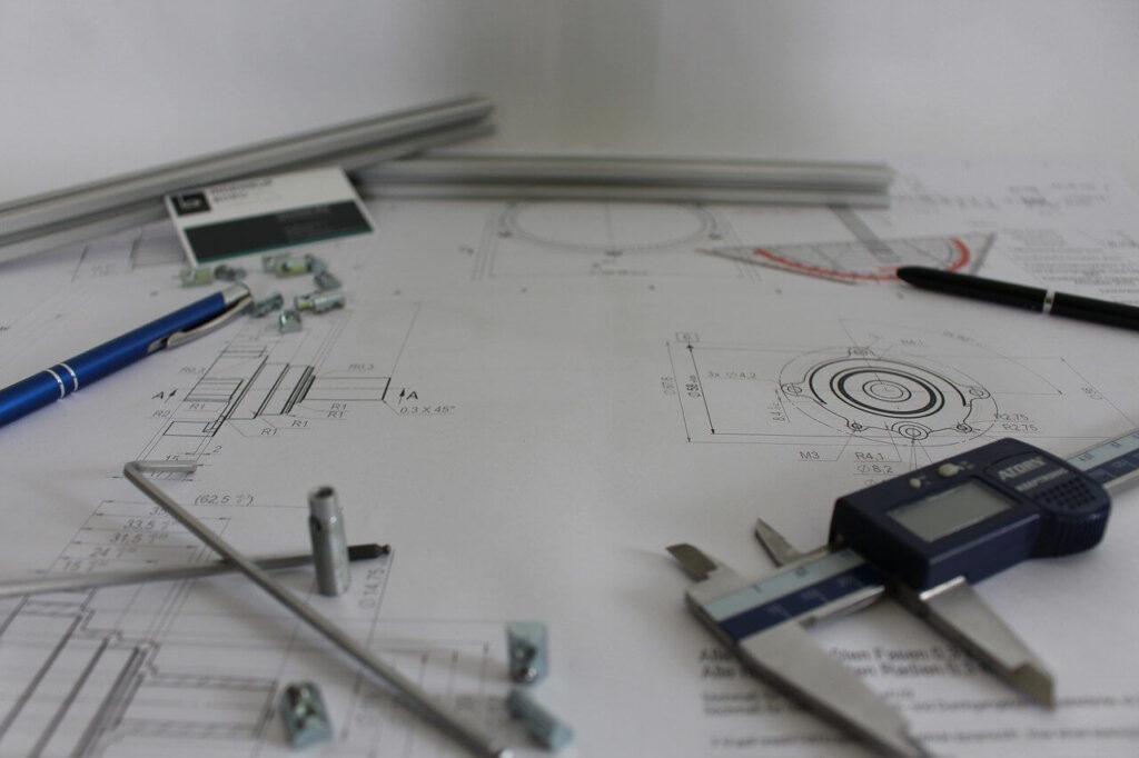 Technische Zeichnung mit Werkzeug